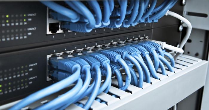 Cổng kết nối trong máy chủ vật lý