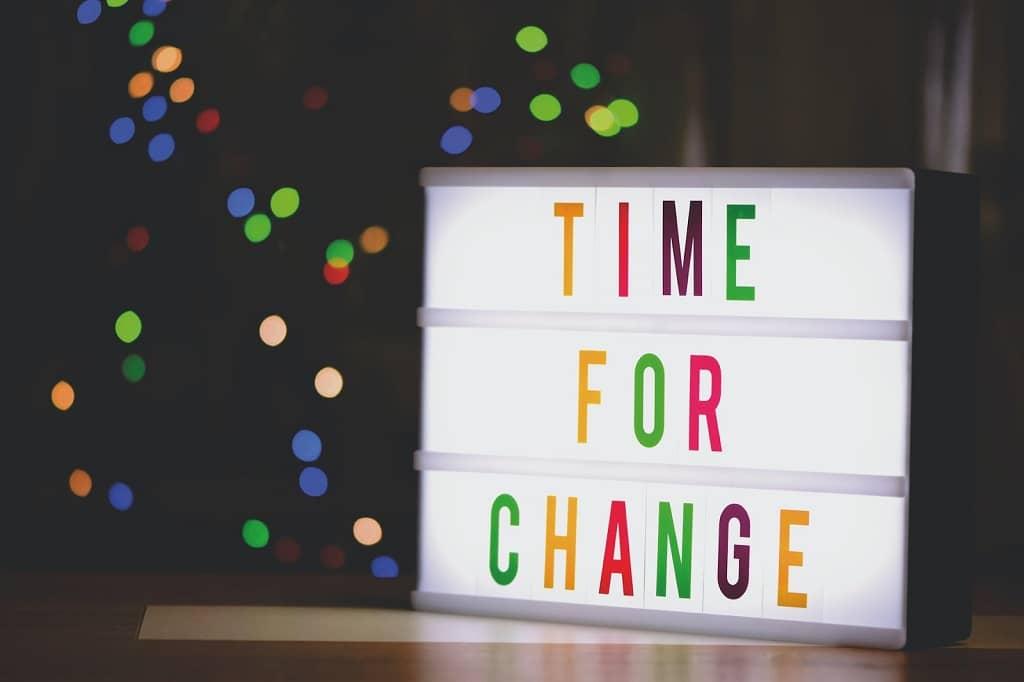 Thay đổi theo xu hướng